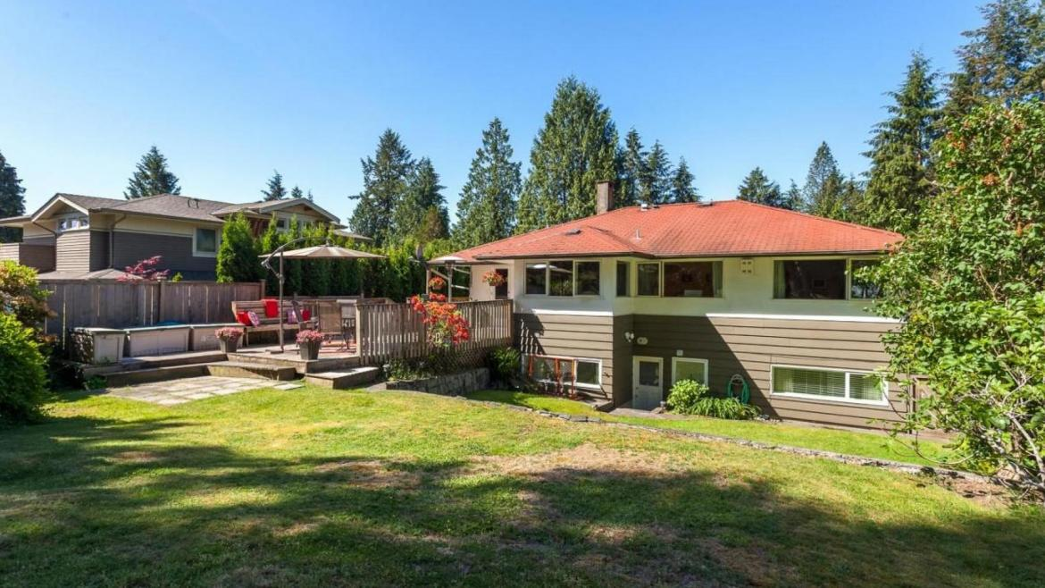 4580 Cedarcrest Avenue, Canyon Heights NV, North Vancouver