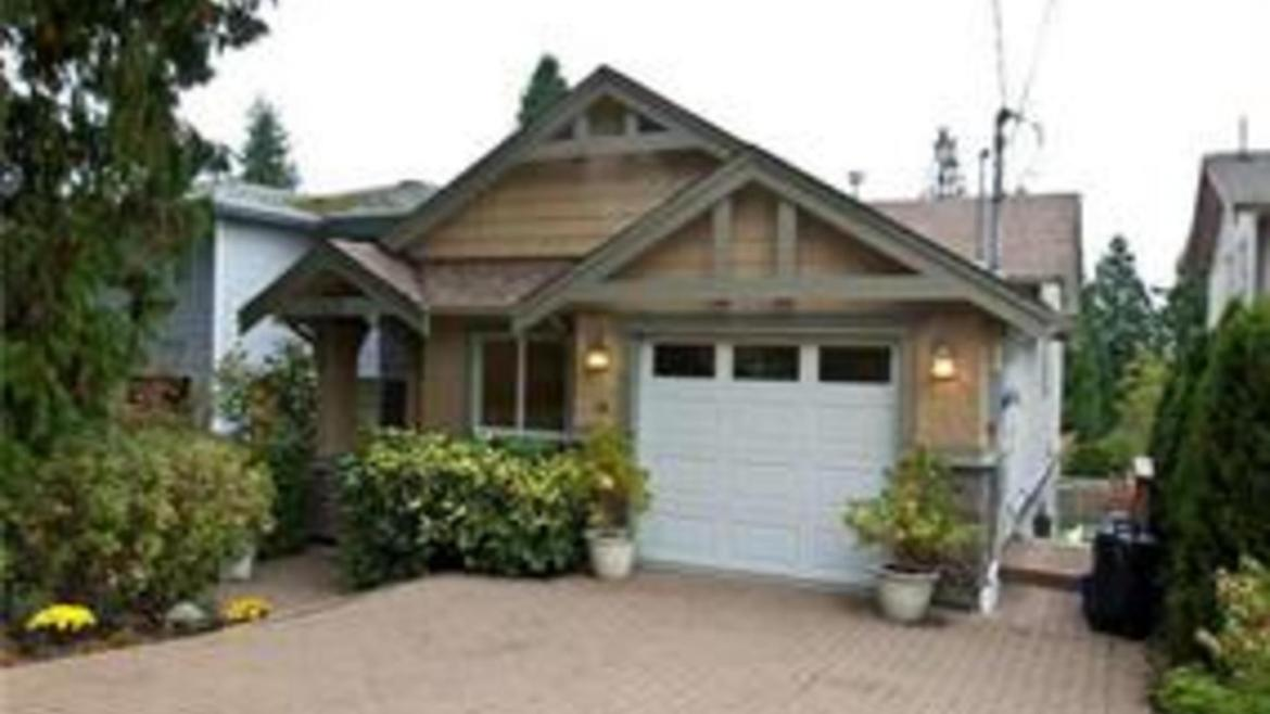 127 E Queens Road, Upper Lonsdale, North Vancouver